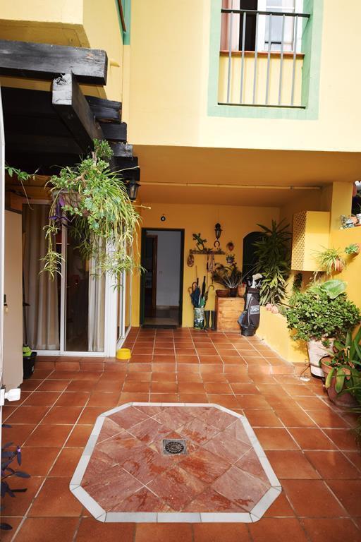 Townhouse  for sale in  Nueva Andalucía, Costa del Sol