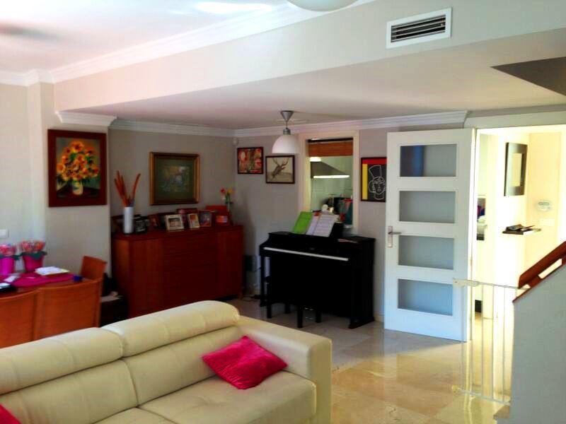 Adosados  en venta en  Puerto Banús, Costa del Sol – R3063913