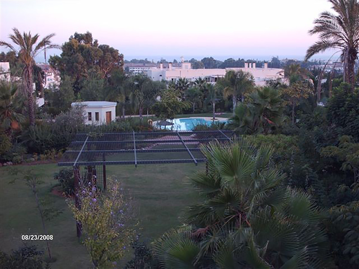 Apartamento Planta Baja  en venta en  Nueva Andalucía, Costa del Sol – R3364813