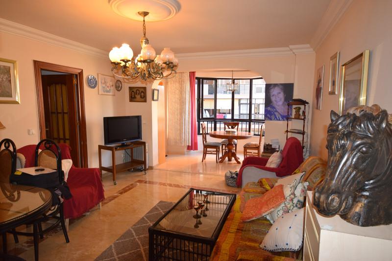 Apartamento Planta Media en Alquiler Vacacional, Marbella – R3366082