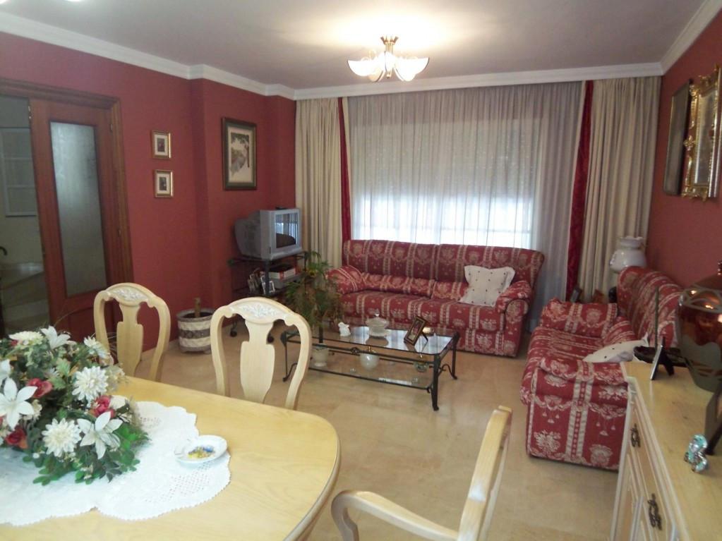 Adosado en Venta en Marbella – R2070326