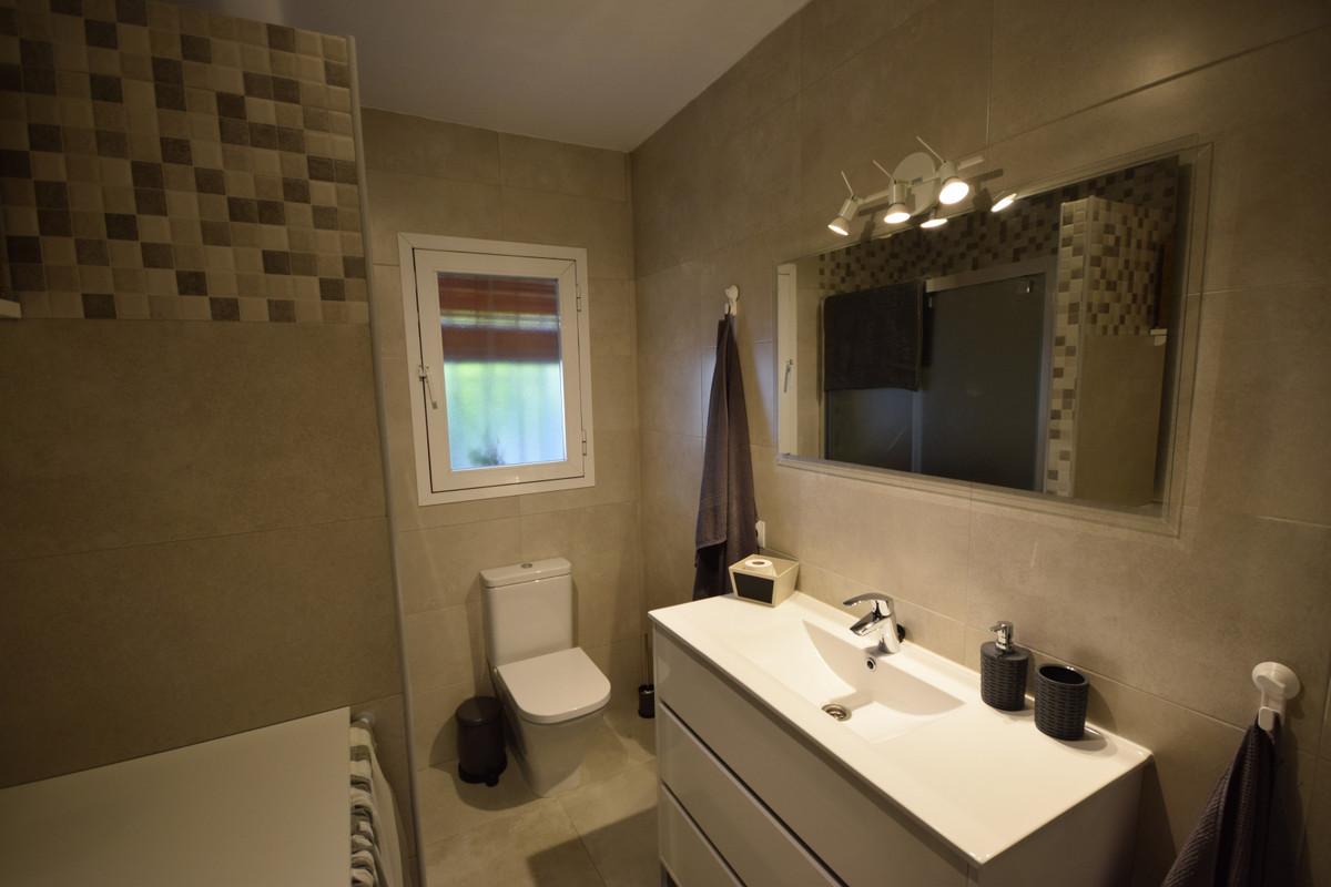 Villa - Chalet  en venta en  Marbella, Costa del Sol – R3339013