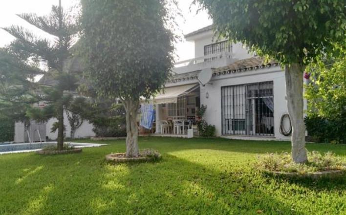Marbella Banus Villa en Venta en Marbella – R3056212