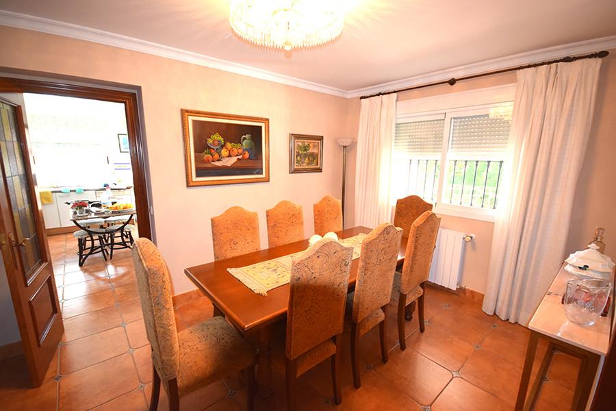 Marbella Banus Villa en Venta en Las Chapas – R3096829