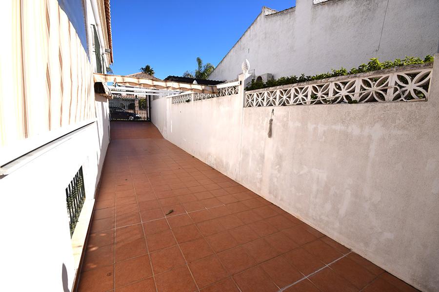 Villa en Venta en Las Chapas – R3096829
