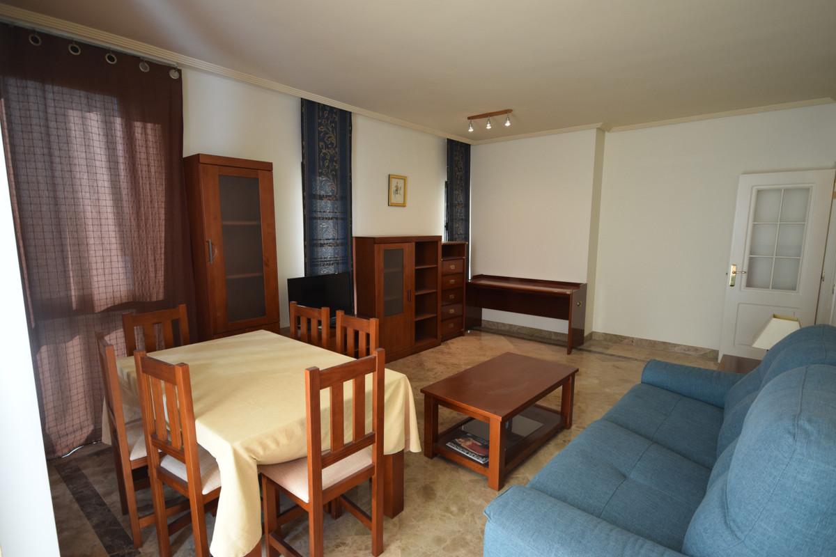 Apartamento  en Alquiler en Marbella – R3531688