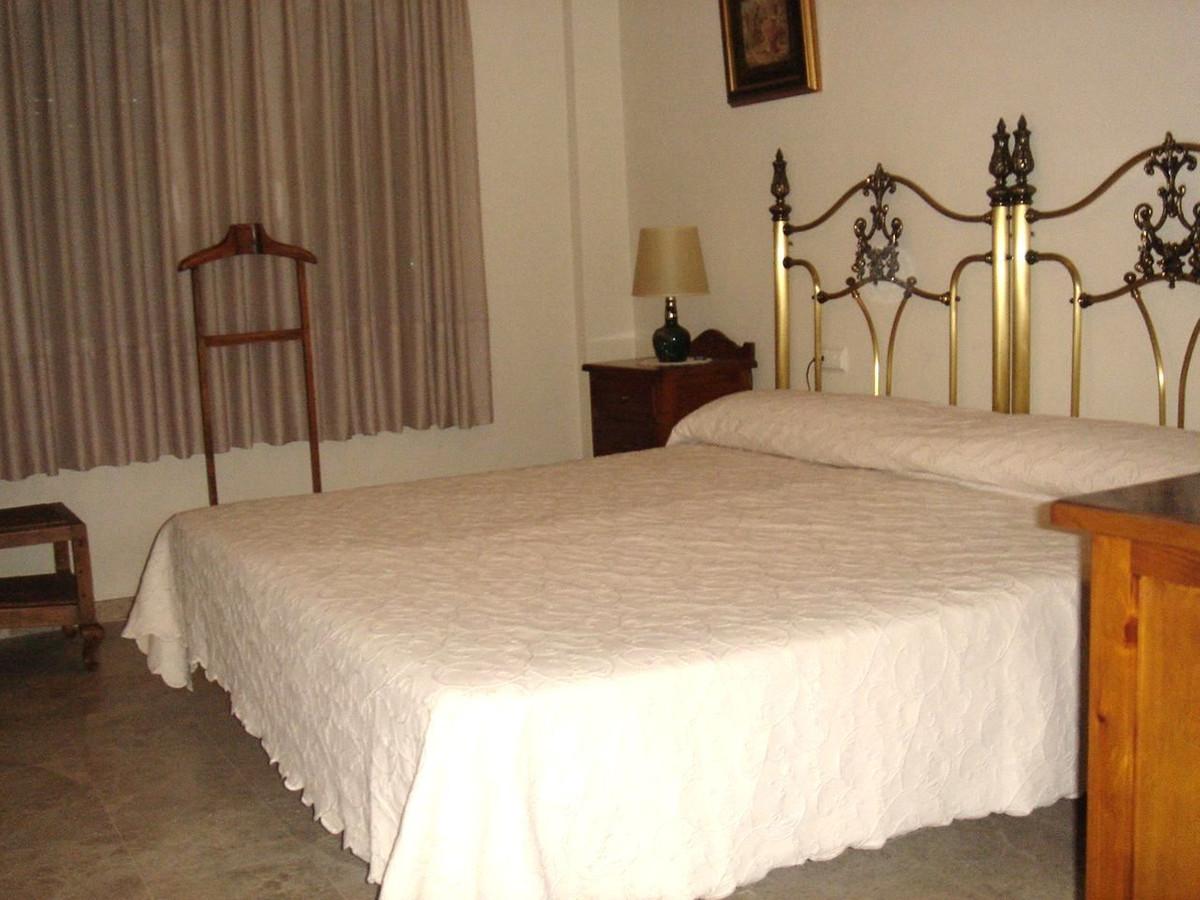 Apartamento Planta Media  en venta en  Nueva Andalucía, Costa del Sol – R832252