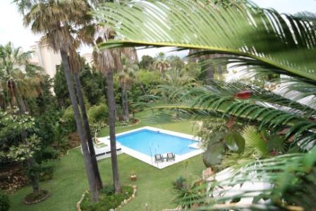 Marbella Banus Apartamento Planta Media en Venta en Puerto Banús – R1979220