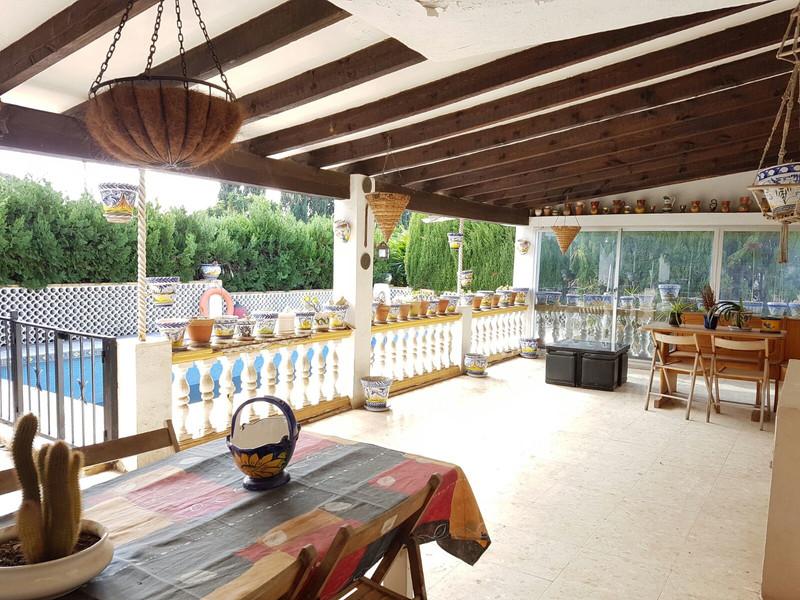 Villa – Chalet en venta en Marbella – R3358849