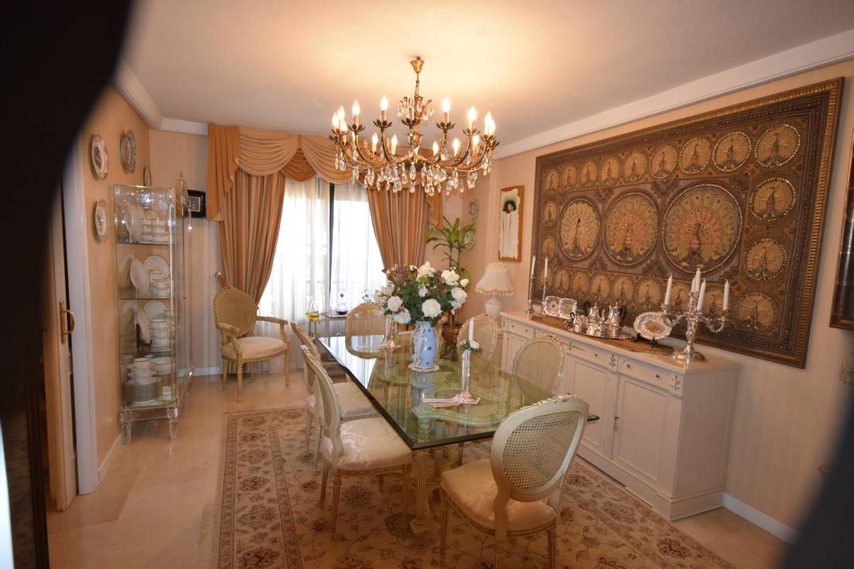 Apartamento en Venta en Marbella – R3370564