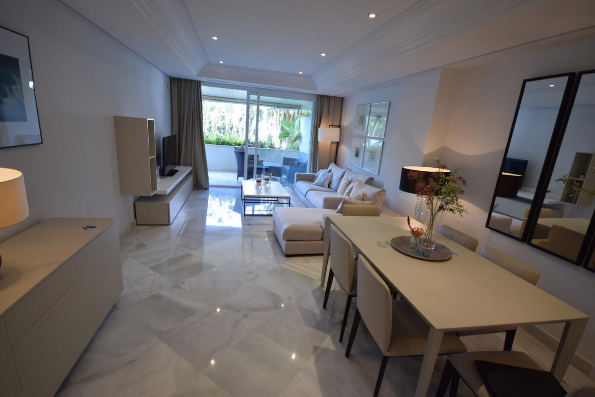 Apartamento en Venta en Marbella – R3445843
