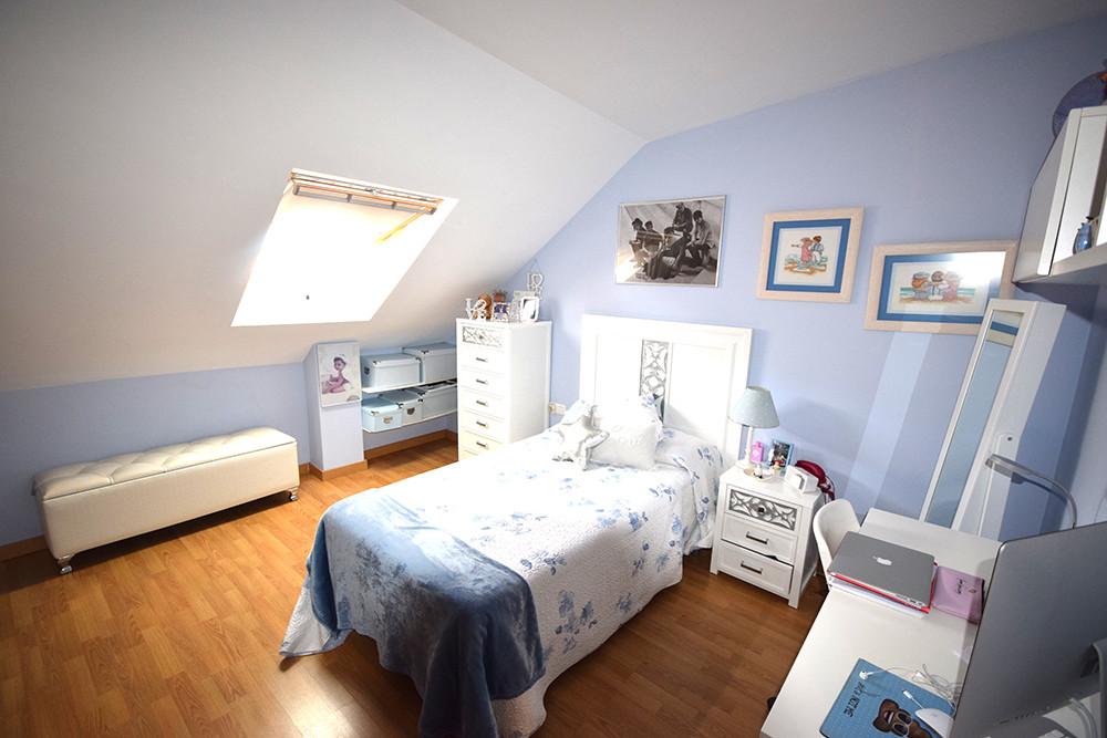 Ático  en venta en  Marbella, Costa del Sol – R2386076