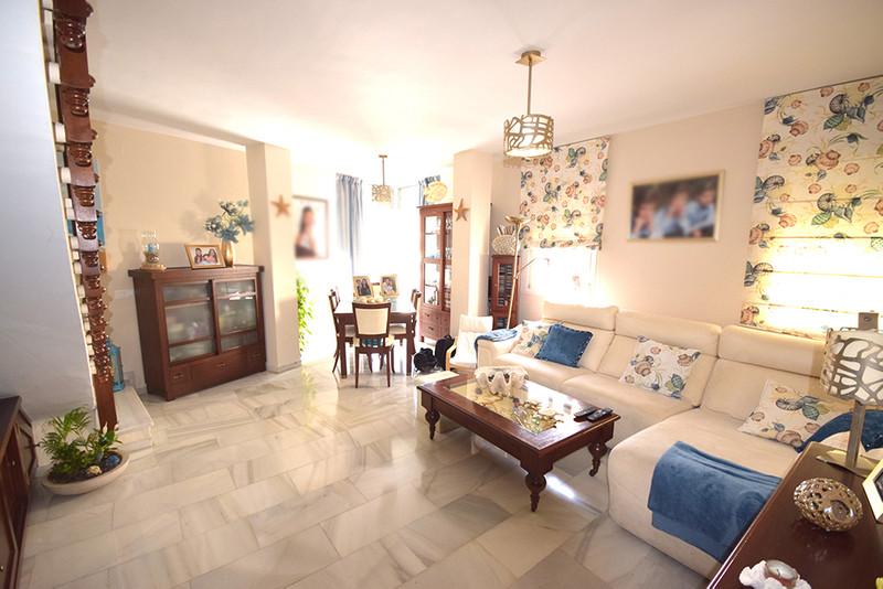 Ático en Alquiler, Marbella – R2386076