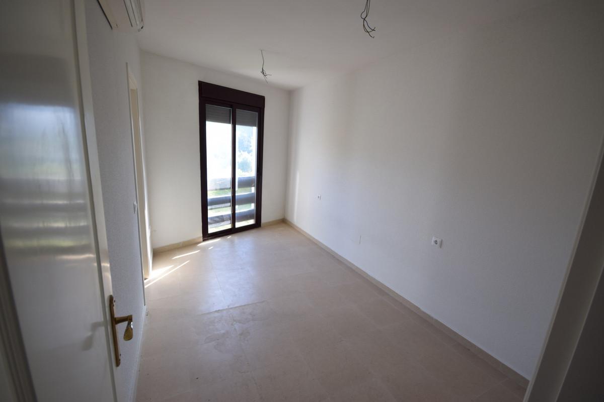 Mitte Stock Wohnung  im Verkauf in  Nueva Andalucía, Costa del Sol