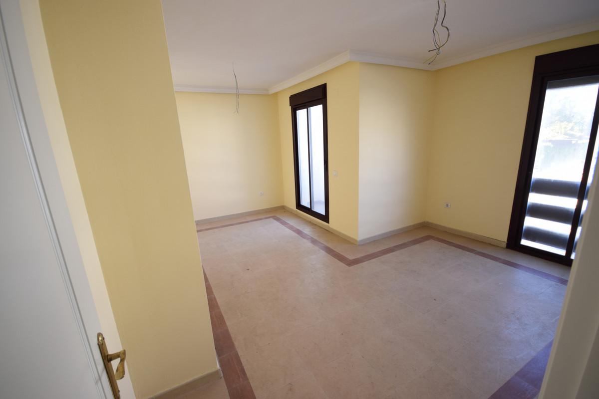 Apartamento en Venta en Nueva Andalucía – R3391855