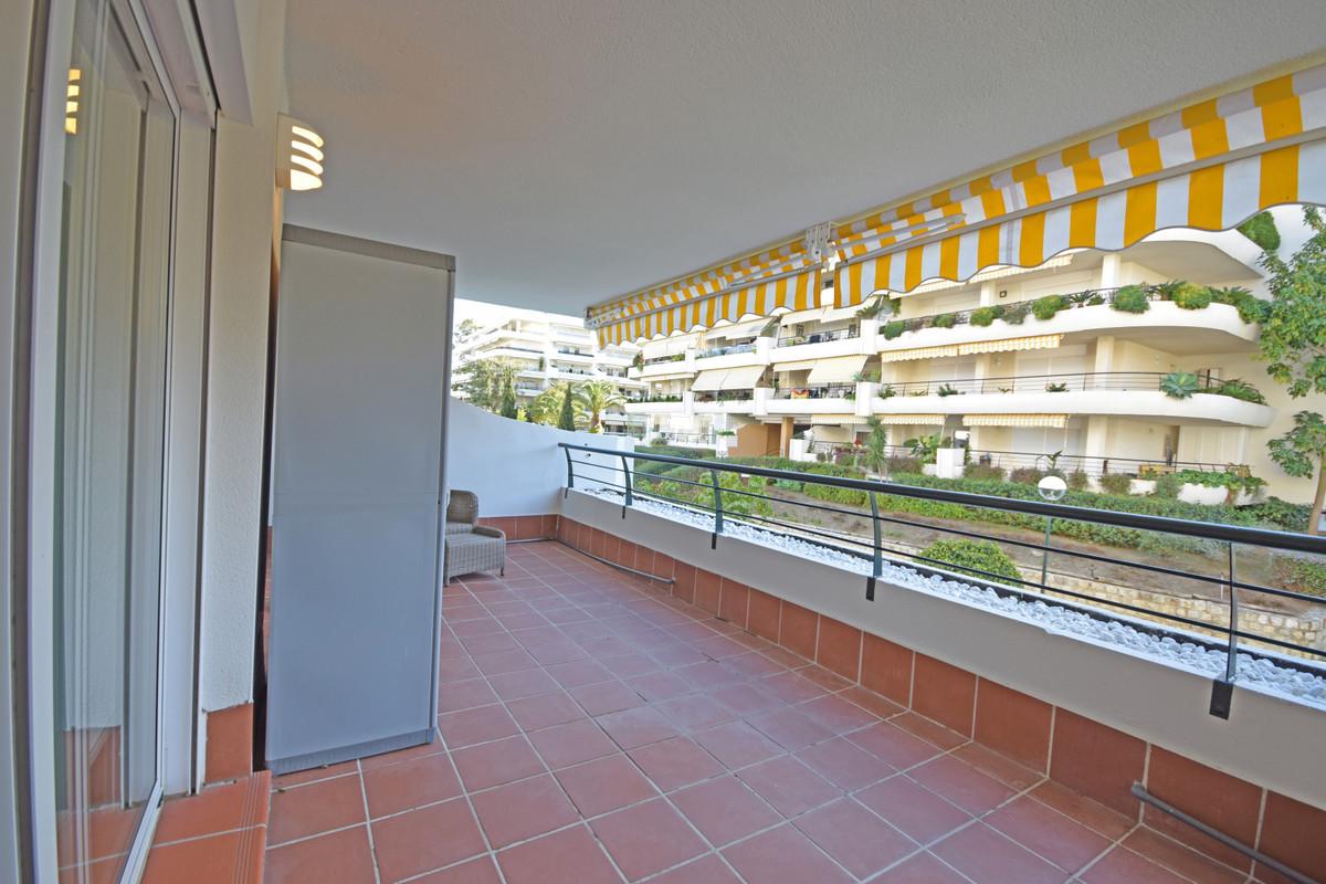 Apartamento en Alquiler Vacacional en Guadalmina Alta – R3459451