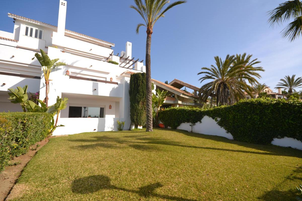 Marbella Banus Apartamento Planta Baja en Venta en Los Monteros – R2863433