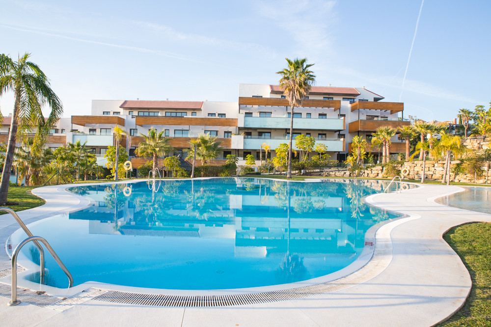 Ground Floor Apartment  for sale in  Benahavís, Costa del Sol