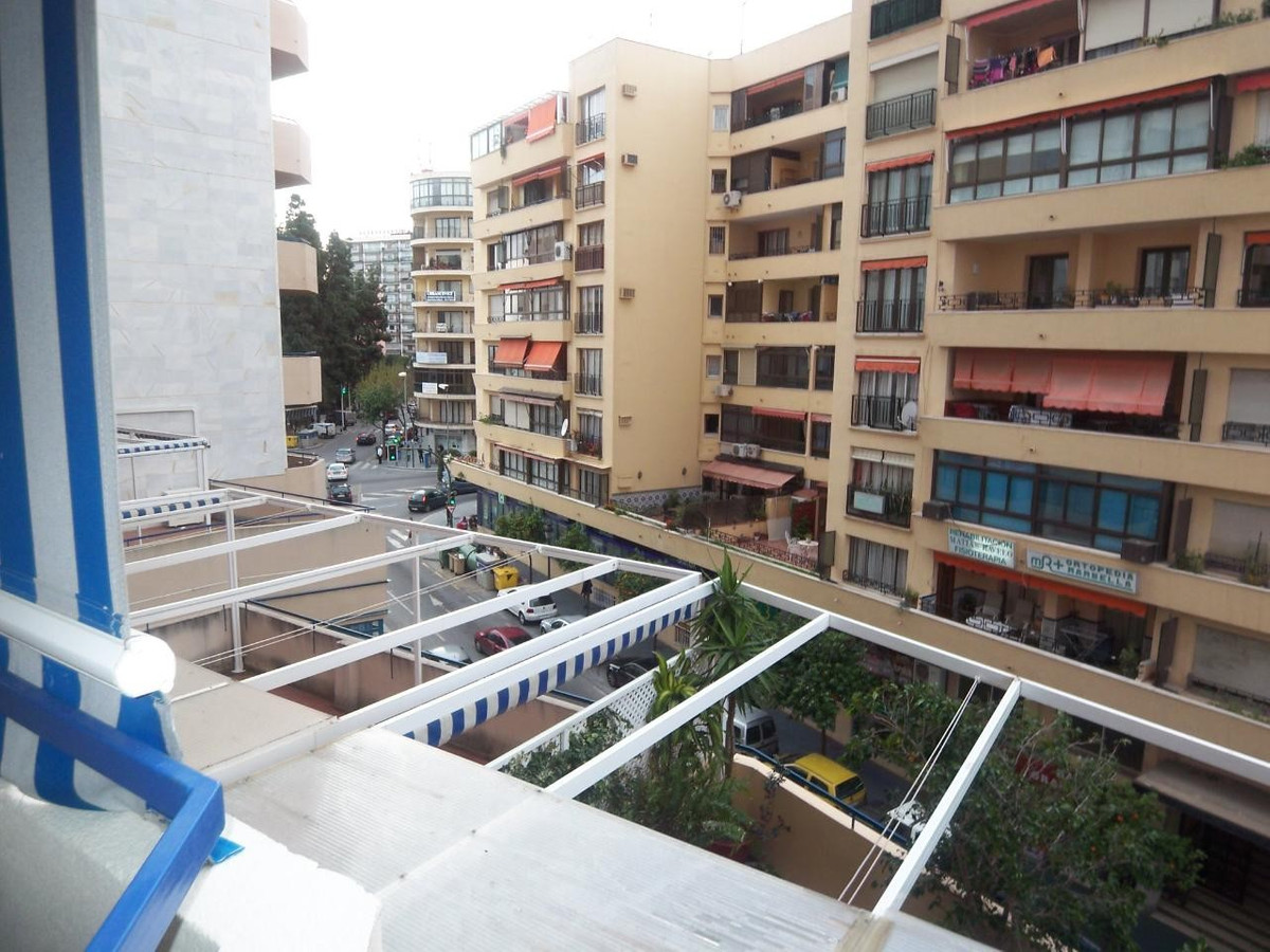 Appartement Mi-étage  en location à  Marbella, Costa del Sol