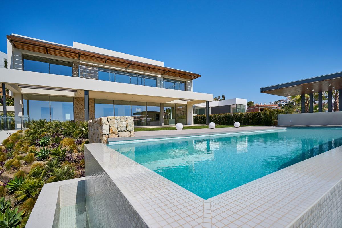 Villa - Chalet  en venta en  Benahavís, Costa del Sol – R3012386