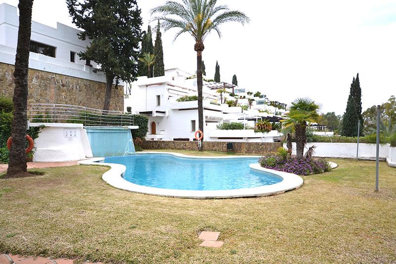 Apartamento Planta Media en venta en Marbella – R2629199
