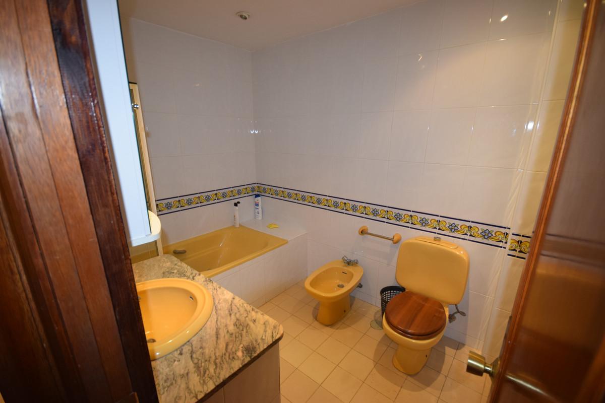 Apartamento Planta Media  en venta en  Marbella, Costa del Sol – R3442468