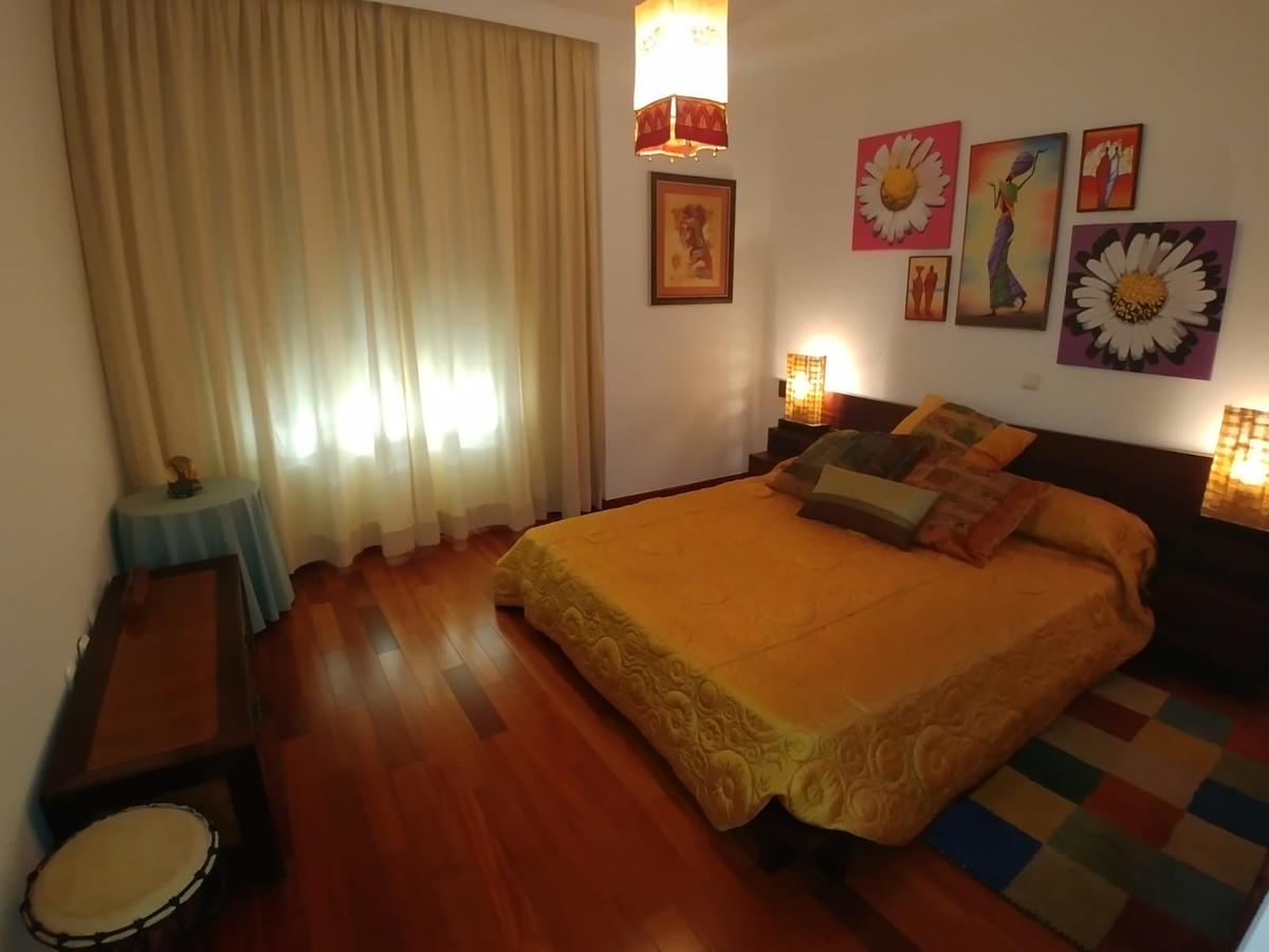 Apartamento Planta Media  en venta en  Marbella, Costa del Sol – R3359704