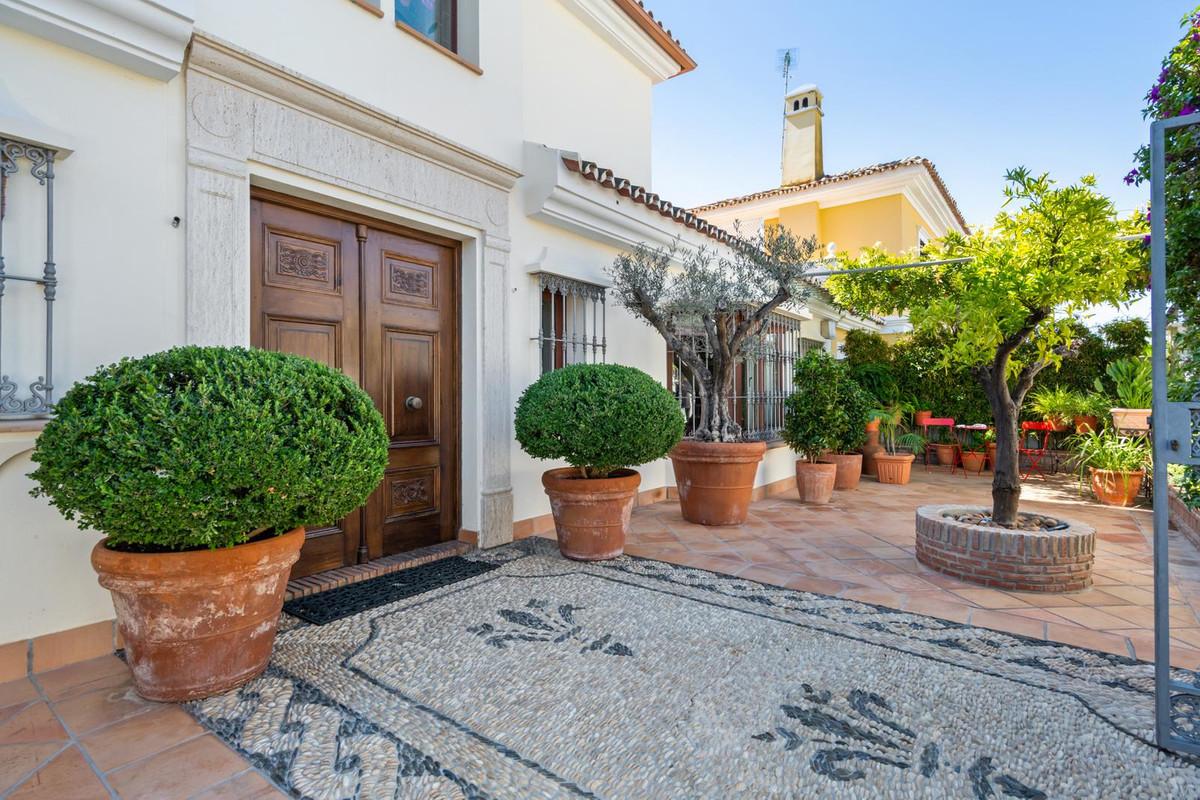 Marbella Banus Villa en Venta en Marbella – R3266221
