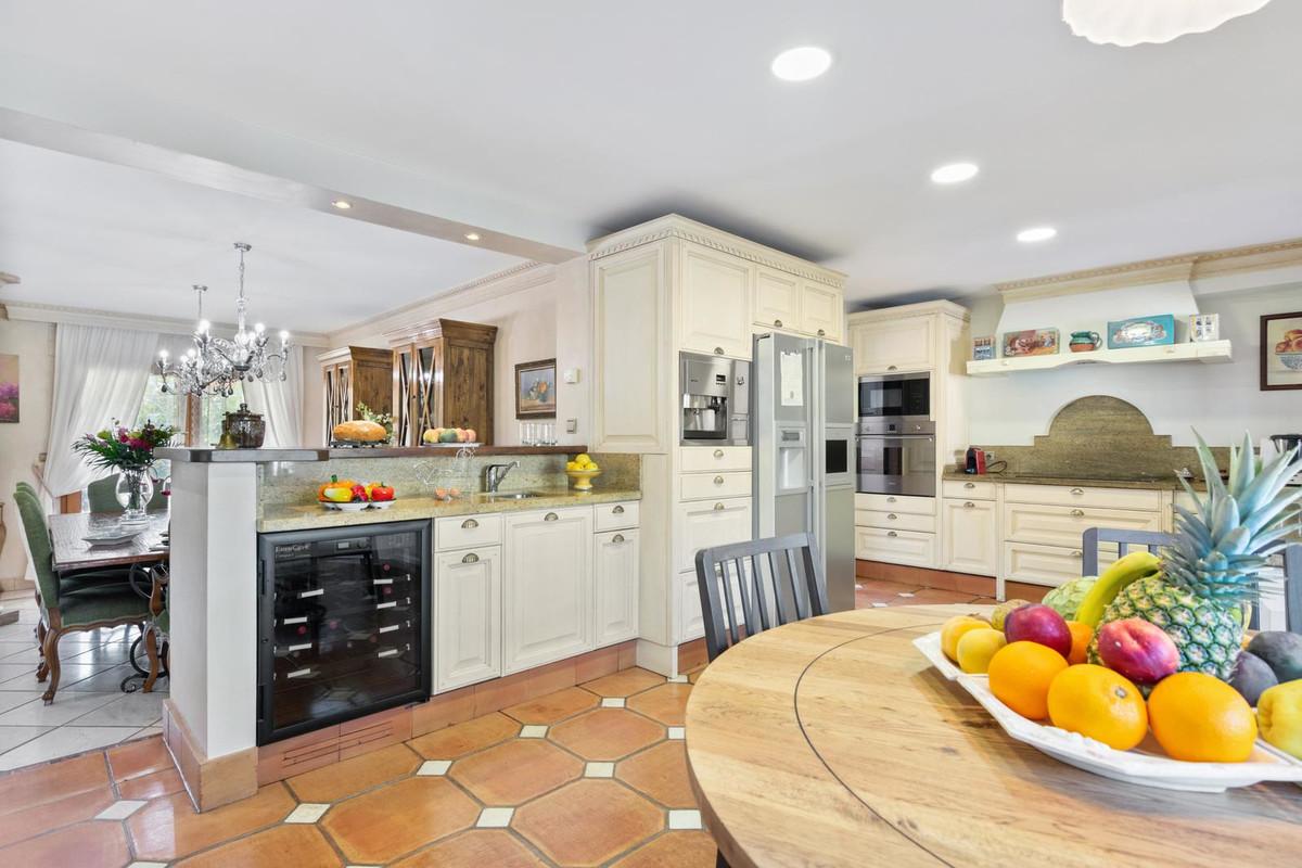Villa zu verkaufen in Marbella - R3266221
