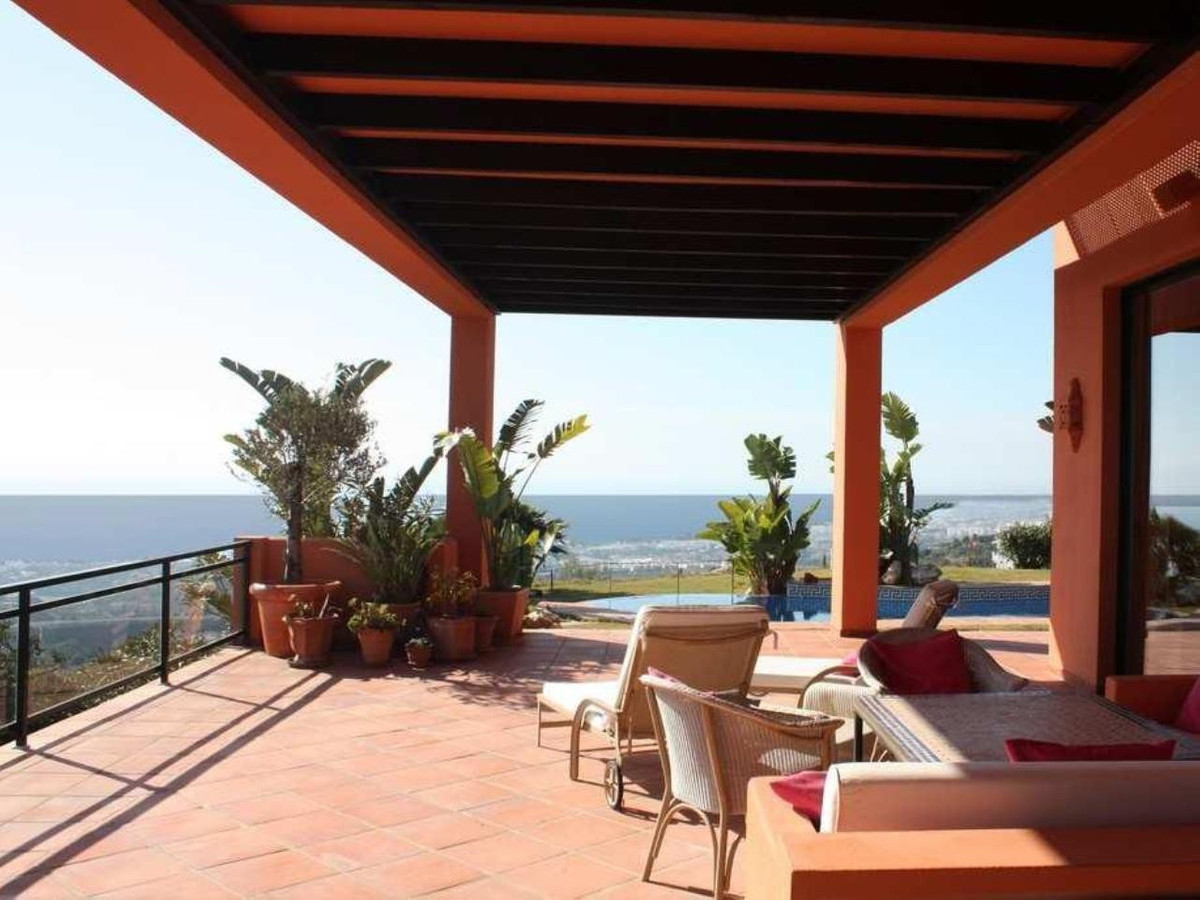 Three Bedroom Detached Villa in Marbella East