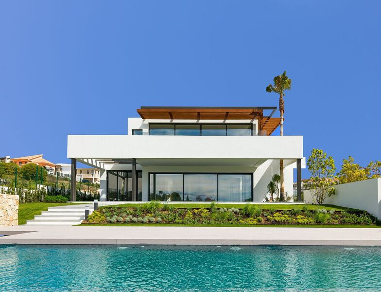 Marbella Banus Villa en Venta en Los Flamingos – R3011636