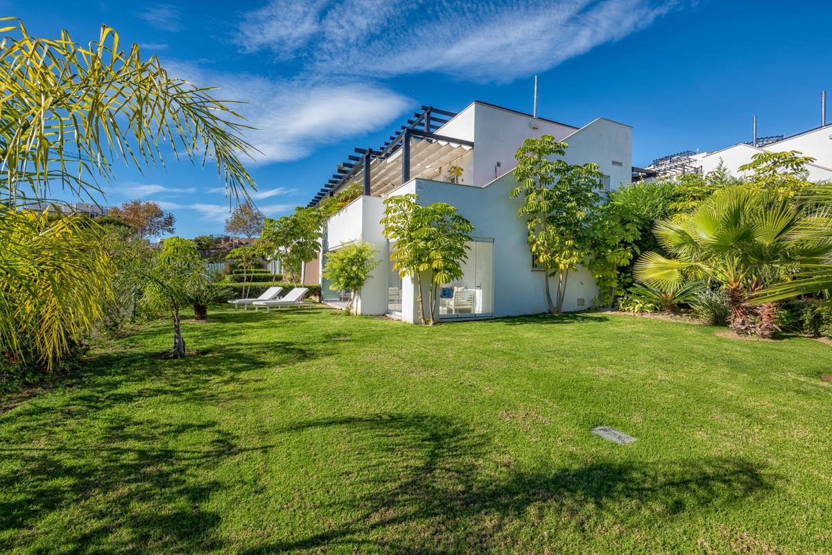Adosada  en venta en  Santa Clara, Costa del Sol – R3363373