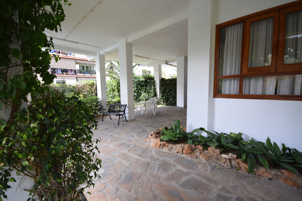 Apartamento Planta Media  en venta en  Marbella, Costa del Sol – R3411694