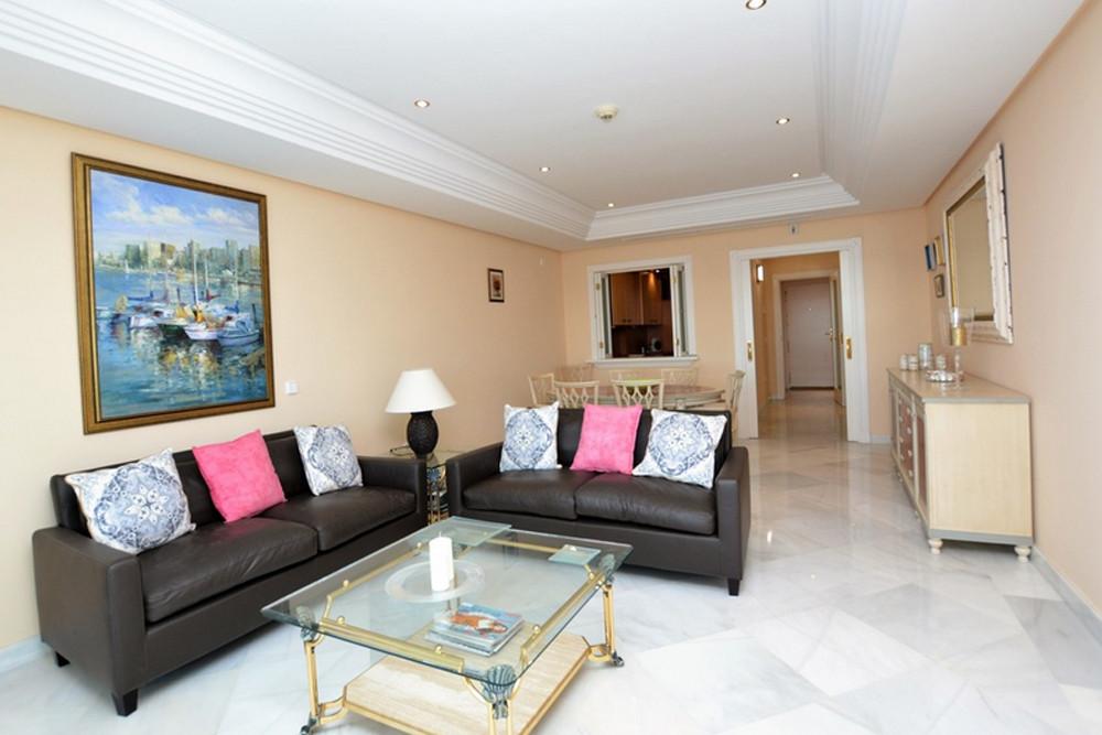 Apartamento en Venta en Marbella – R3262771