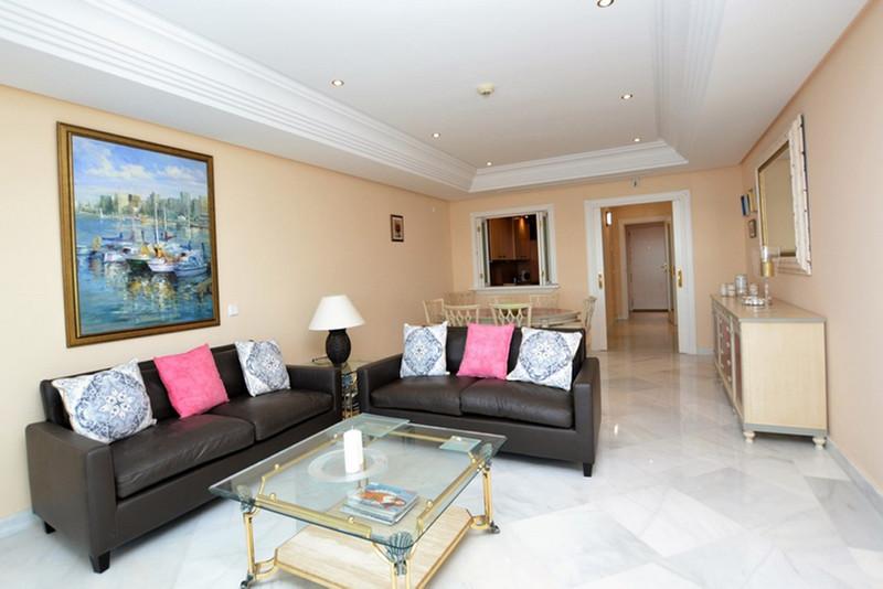Apartamento Planta Baja en venta en Marbella – R3262771