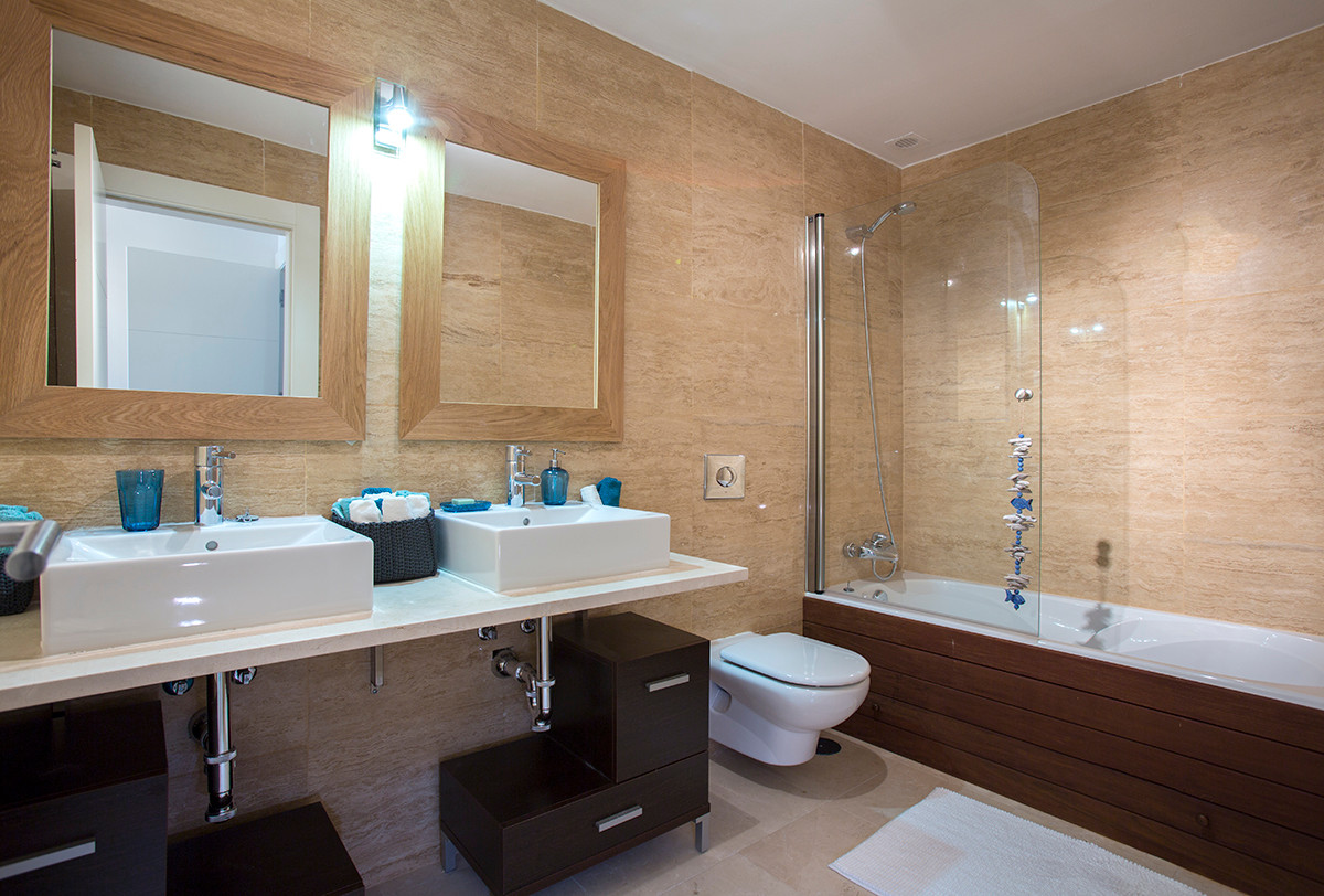 Ground Floor Apartment  for sale in  Benahavís, Costa del Sol