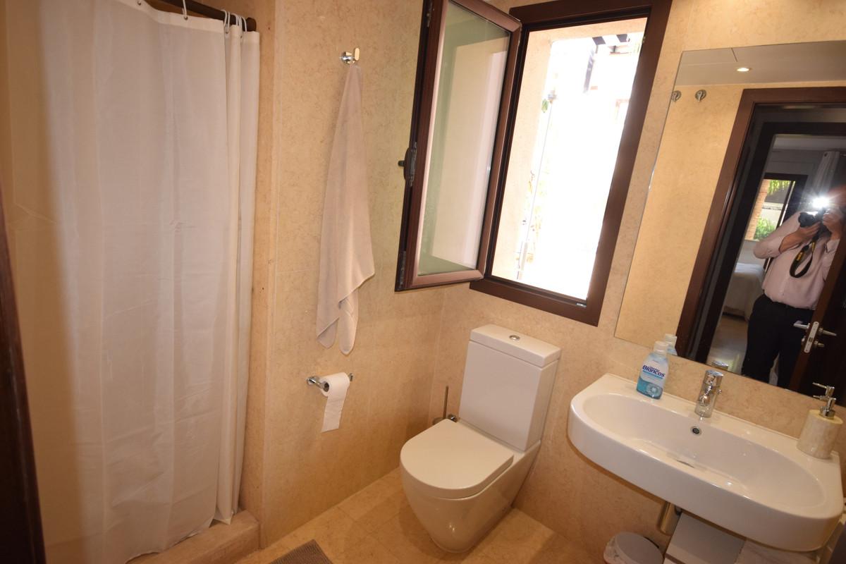 Ground Floor Apartment  for sale in  Nueva Andalucía, Costa del Sol