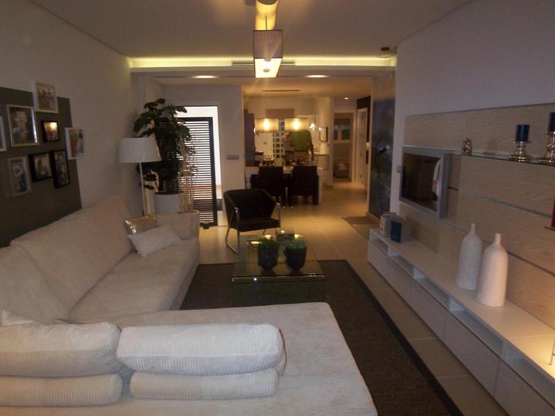Apartamento Planta Media en venta en Marbella – R721112