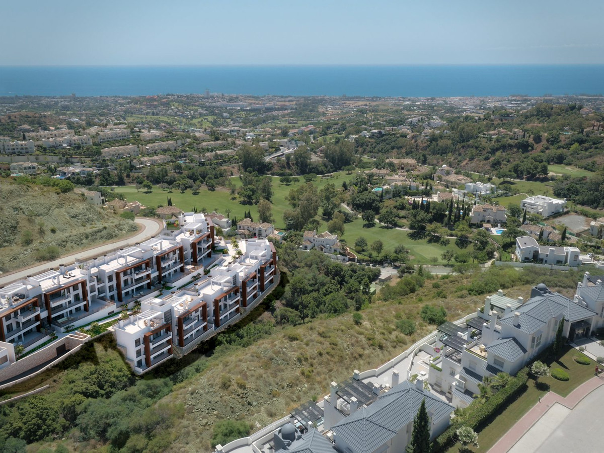 Middle Floor Apartment  for sale in  La Quinta, Costa del Sol