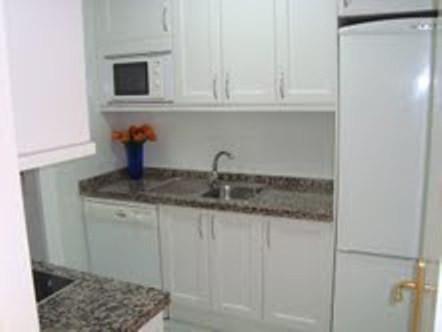 Apartamento Planta Baja  en alquiler en  Puerto Banús, Costa del Sol – R905129