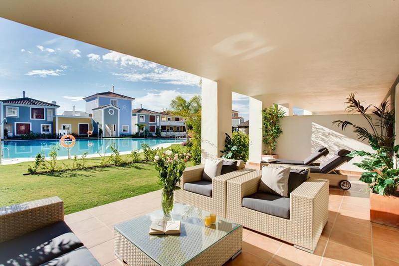 Marbella Banus Apartamento Planta Media en venta en New Golden Mile – R2509028