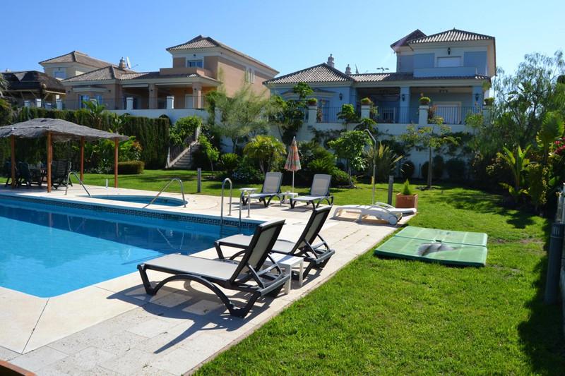 Villa – Chalet en Alquiler, Santa Clara – R815665
