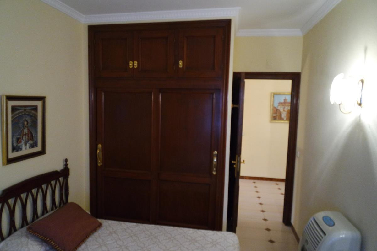 Villa - Chalet  en venta en  Marbella, Costa del Sol – R2371283