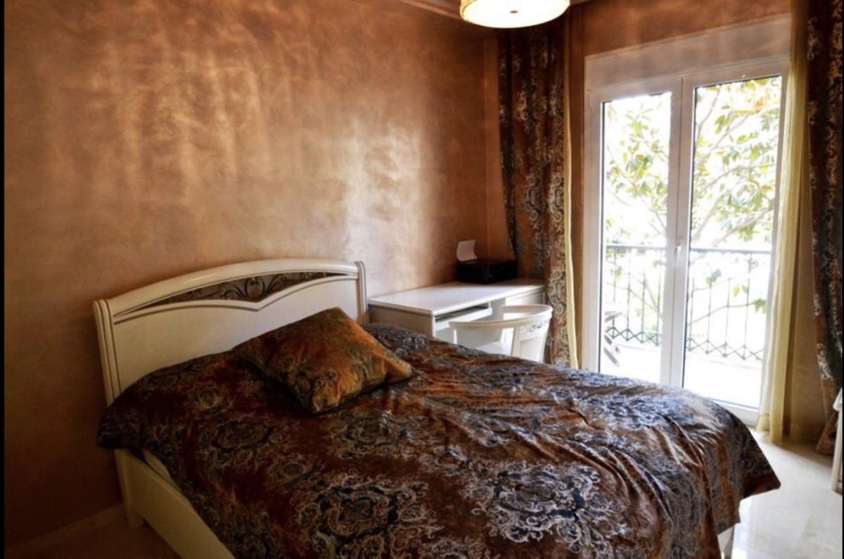 Apartamento Planta Media en Venta en Atalaya – R3641459