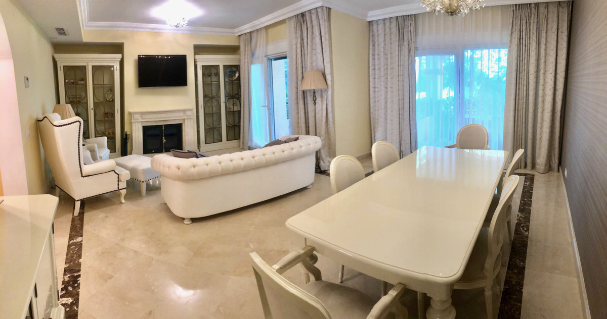 R3437833 | Townhouse in Puerto Banús – € 1,150,000 – 4 beds, 5 baths