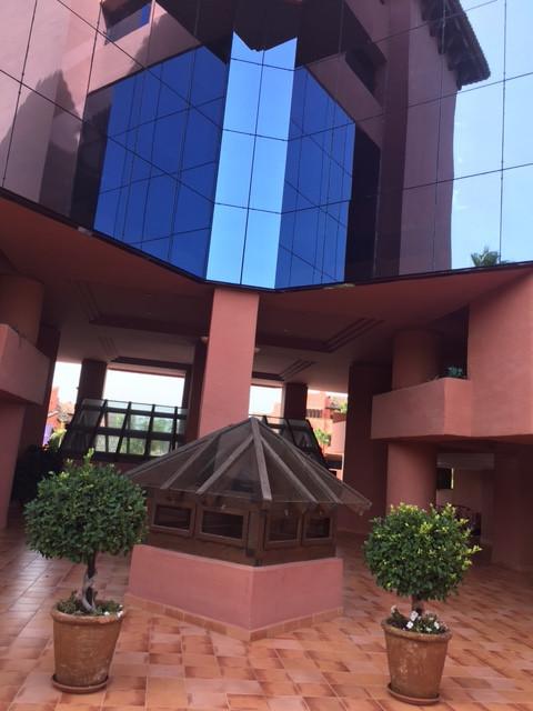 Marbella Banus Apartamento Planta Media en venta en New Golden Mile – R2727824