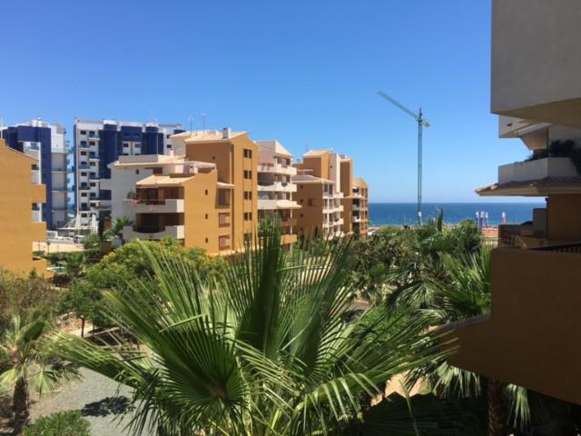 Middle Floor Apartment in Punta Prima for sale