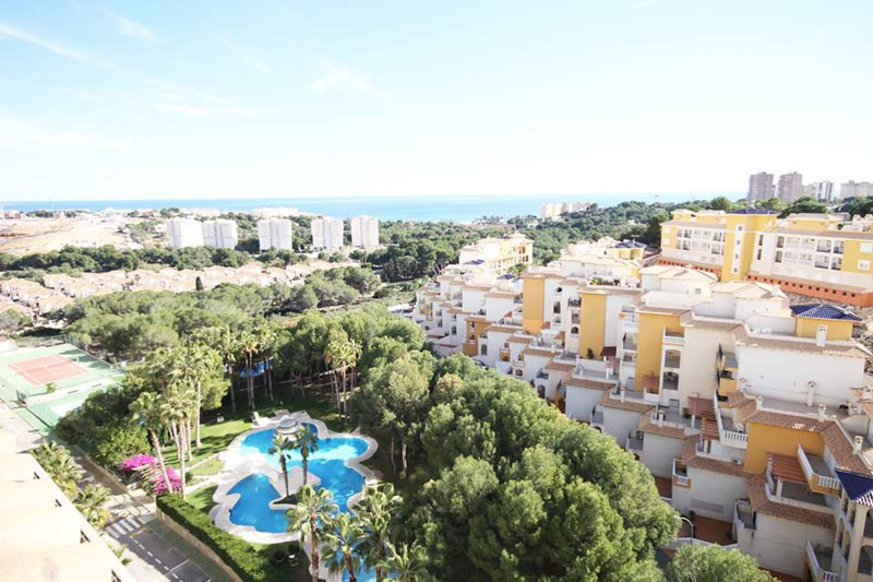 Penthouse in Campoamor for sale