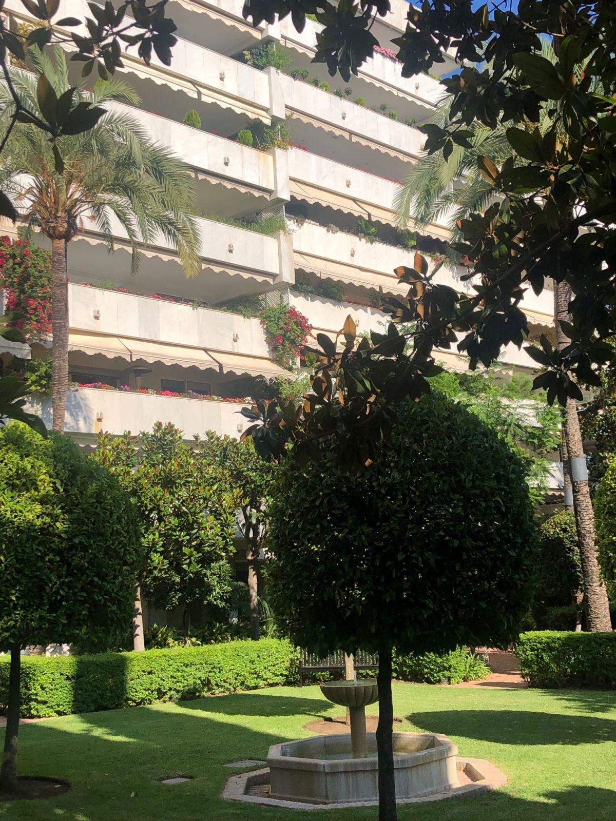 Marbella Banus Apartamento Planta Media en venta en Marbella – R3472087