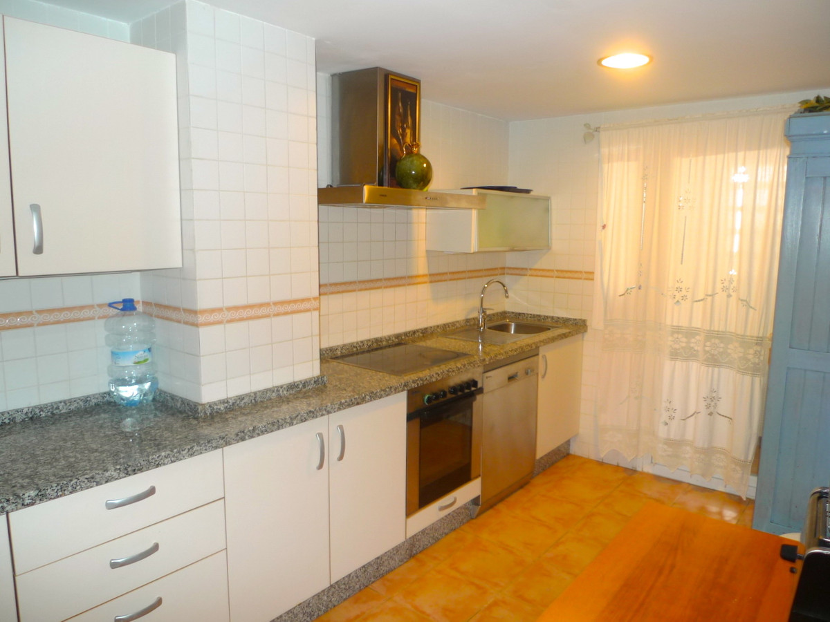2 Bedroom Ground Floor Apartment For Sale Guadalmina Baja